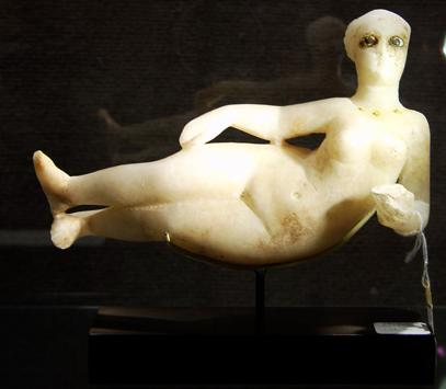 Parthian_female_alabaster